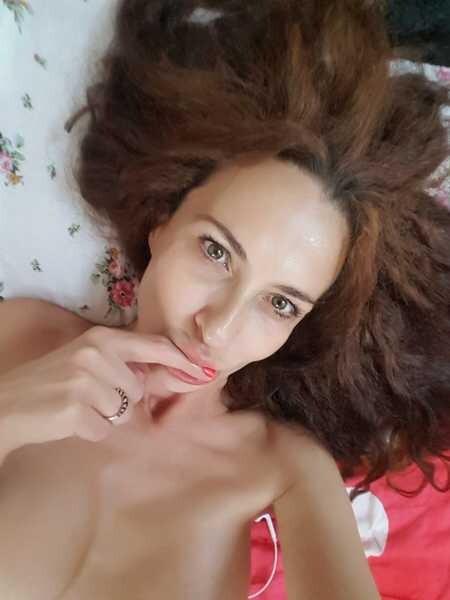 LadyEvolet - Free Webcam Photo 3