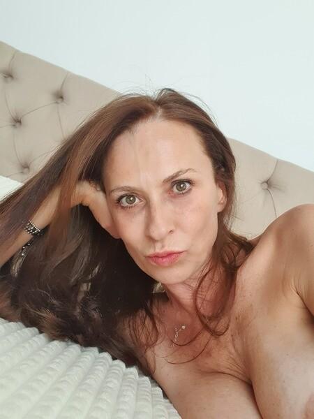 LadyEvolet - Free Webcam Photo 6