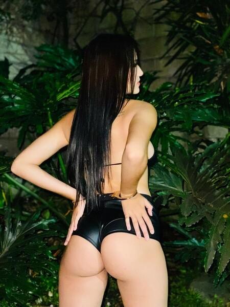 Camila_Montes - Free Webcam Photo 1