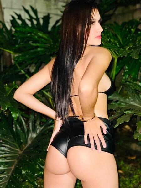 Camila_Montes - Free Webcam Photo 2