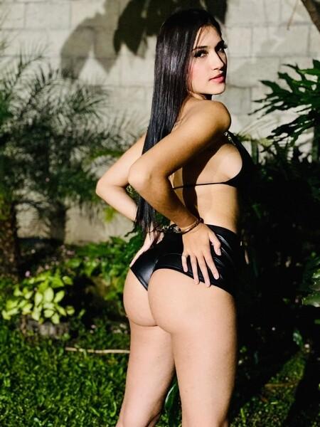 Camila_Montes - Free Webcam Photo 3
