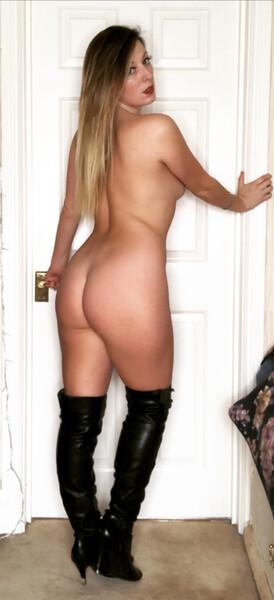QueenieTroubleUK - Free Webcam Photo 6