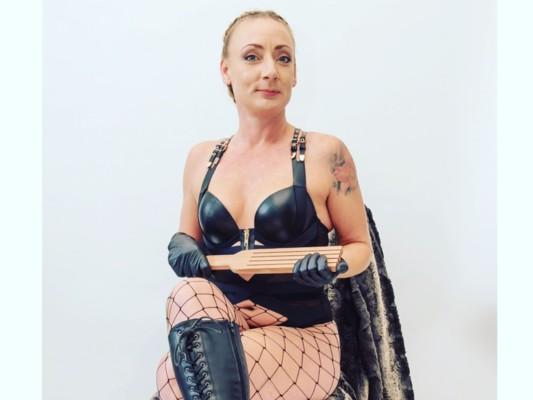DominatrixSheba cam model profile picture