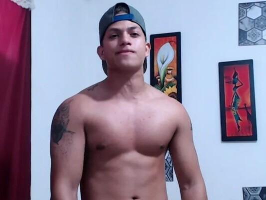 dominik_strength cam model profile picture